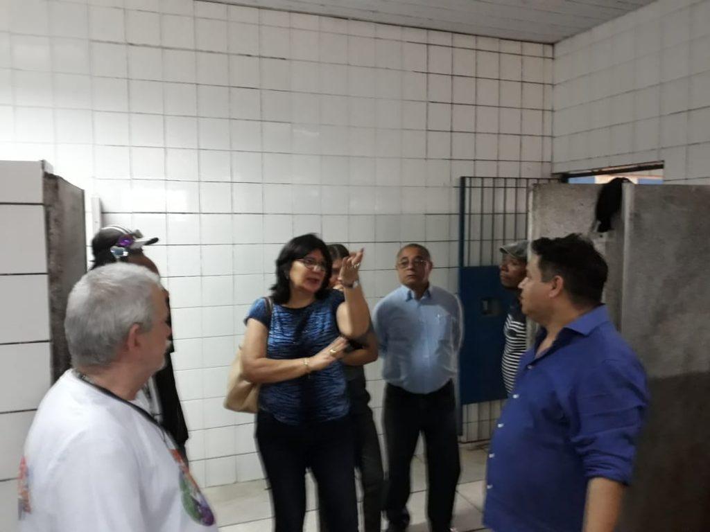 BETH SAHÃO VISITA ALBERGUES QUE SERÃO FECHADOS EM SÃO PAULO