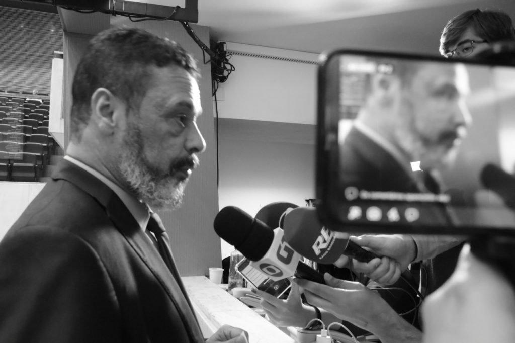 LÍDER DO PT NA ALESP ANUNCIA APOIO INCONDICIONAL A GUILHERME BOULOS