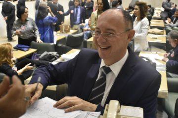 DEPUTADOS DO PT PROTOCOLAM PEDIDO DE CPI DO MONOTRILHO LESTE