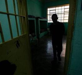 SECRETÁRIO DE DORIA DEVE EXPLICAR ISOLAMENTO DE ADOLESCENTE  EM BANHEIRO NA FUNDAÇÃO CASA