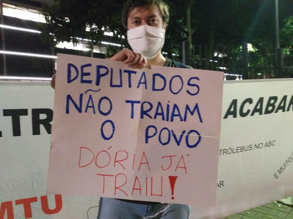 Oposição vence mais uma noite de embates contra PL de Doria